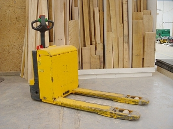 Portable belt sander dewalt